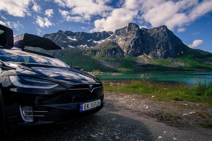 Tesla x Fjord Sightseeing Adventure Tromso, Tromso, NORUEGA