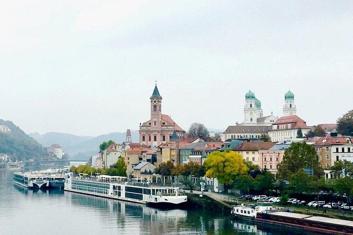 One way private transfer from Passau to Prague, Passau, Alemanha