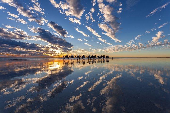 Passeio de camelo antes do pôr do sol em Broome 30 minutos, Broome, Austrália