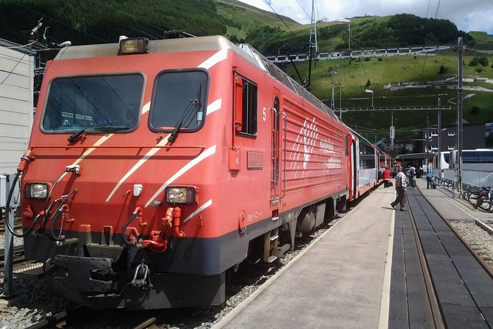 Self-Guided Tour: Glacier Express Panoramic Train round Trip one Day, Lucerna, SUIZA