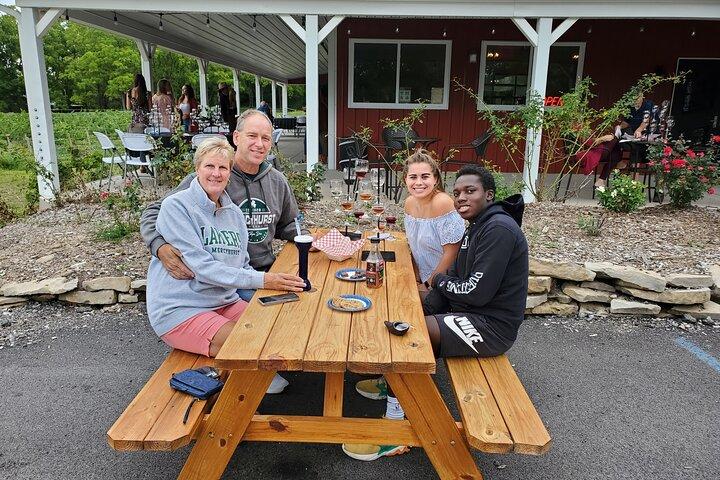 Niagara All-American Wine Tour (11 people max), Cataratas del Niagara, NY, ESTADOS UNIDOS