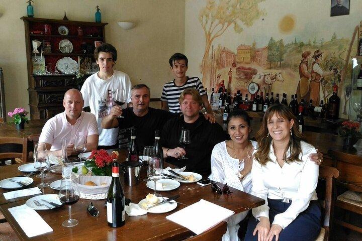 Classic Private Wine Tasting in Castagnole delle Lanze, Asti, ITALIA