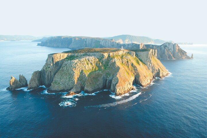Tasman Island Cruises Day Tour from Hobart, Hobart, AUSTRALIA
