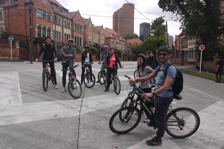 Recorrido en bicicleta por Bogotá, Bogota, COLOMBIA