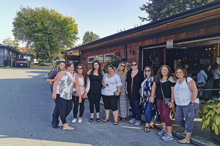 Nothin' To Wine about Winery Adventure in Cowichan Valley, Isla de Vancouver, CANADA