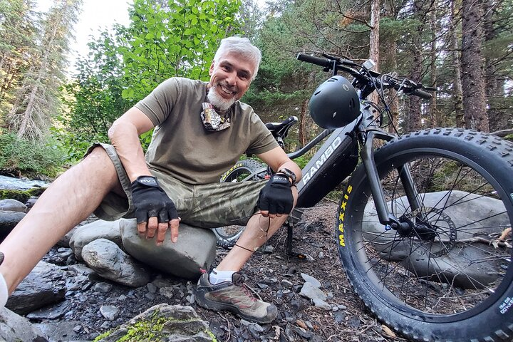 2 Hour eBike Adventure along Tony Knowles, Chester Creek Trails and Cook Inlet, Anchorage, AL, ESTADOS UNIDOS