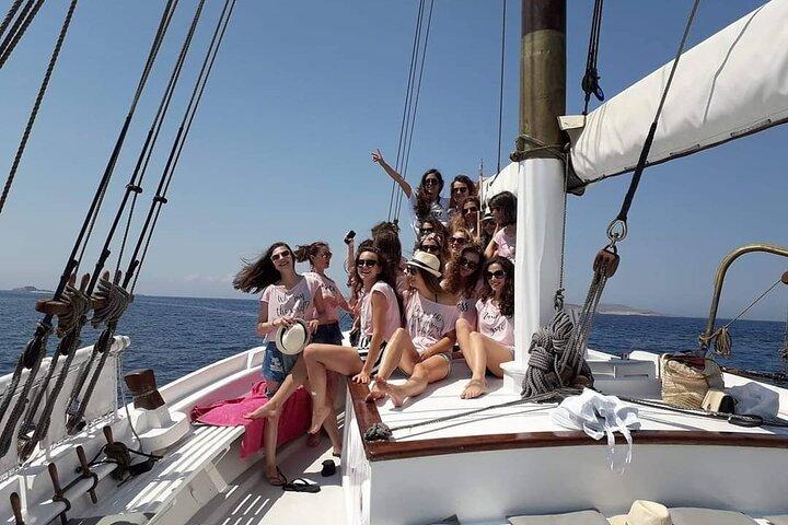 Swim, Fun at Rhenia and Iconic Sunset View!, Miconos, GRECIA
