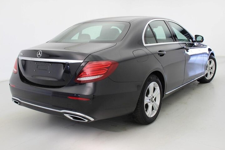 Arrival Private Transfer San Diego Airport SAN to San Diego City by Business Car, San Diego, CA, UNITED STATES