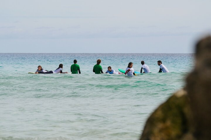 Surf Lesson for beginners and intermediate (1 instructor with max 4 people), Puerto del Rosario, Espanha