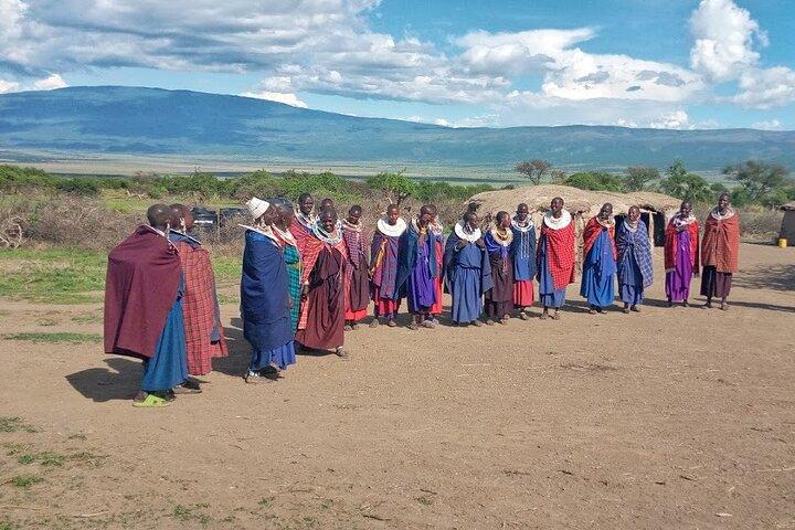 7 days Mt Kilimanjaro,Tarangire NP, Ngorongoro, Serengeti NP, Lake Manyara NP, Arusha, TANZANIA