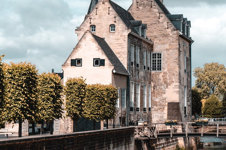 Discover Valkenburg with this Fun & Interactive City Game, Maastricht, HOLANDA