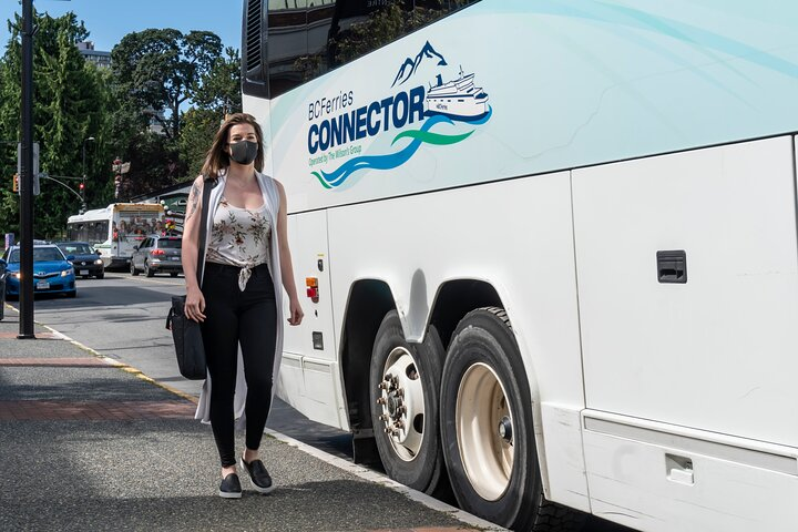 Coach Transfer from Downtown Victoria to Downtown Vancouver, Isla de Vancouver, CANADA