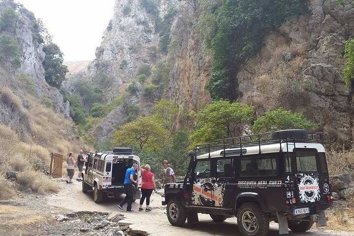 Uncharted Escapes: Crete's Wine and Olives Safari Tour from Chania, ,