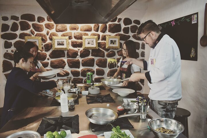 Peruvian high-end cooking class and guided tour of the San Pedro market, Cusco, PERU