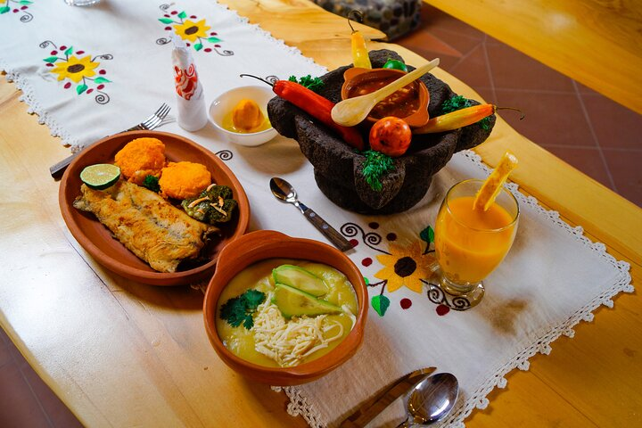 Cooking Class at the Andes & Roses: PRIVATE Day trip from Quito, Quito, ECUADOR