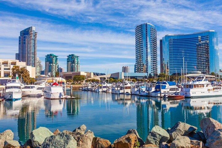 Departure Private Transfer San Diego to San Diego Airport SAN in Business Car, San Diego, CA, ESTADOS UNIDOS