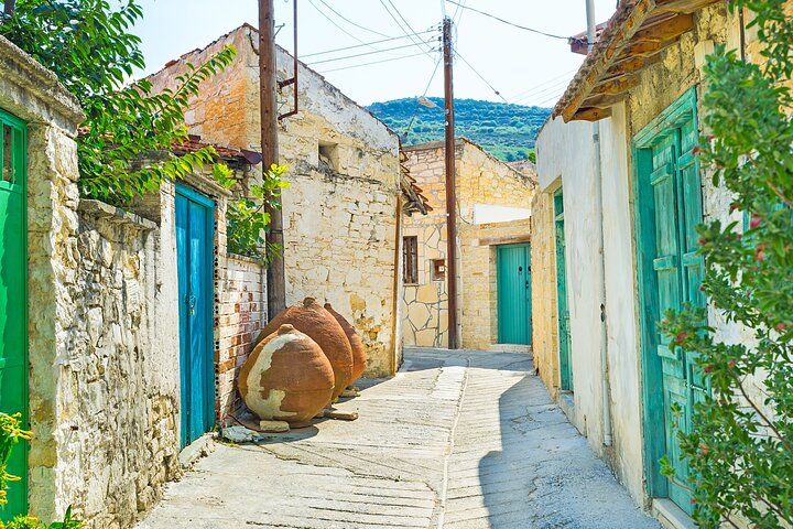 Village Venture: Troodos Mountains Food & Wine Small Group Day Tour, Larnaca, CHIPRE