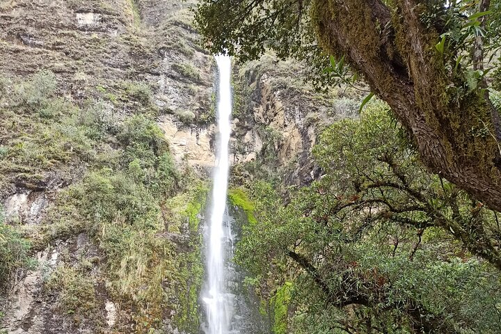 El Chorro waterfalls and Busa lake, Cuenca, ECUADOR