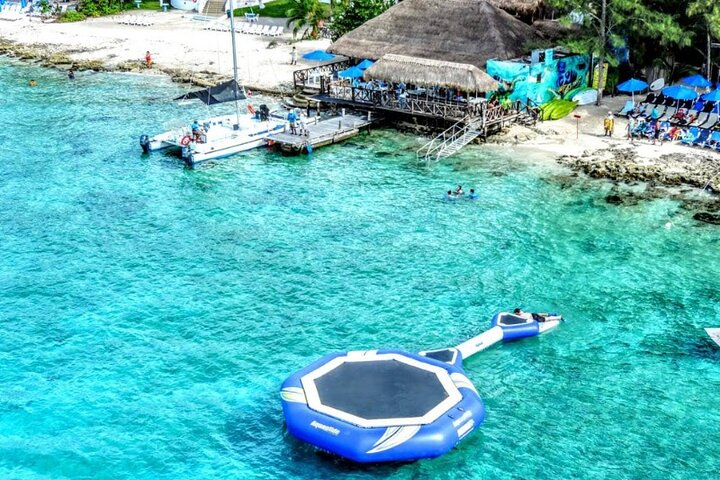 Cozumel Esnórquel en Arrecifes de Coral abordo de Barco con fondo de Cristal y Guía, Cozumel, MEXICO