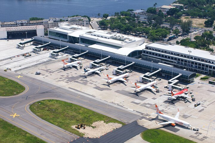 Departure Private Transfer Arraial do Cabo to GIG or SDU Airport by Sedan Car, Arraial do Cabo, BRASIL