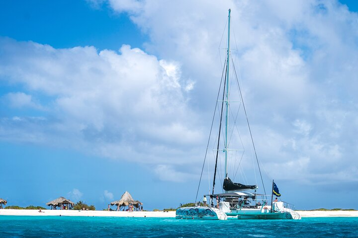 Klein Curazao con navegación en catamarán BlueFinn, Curazao, BRASIL