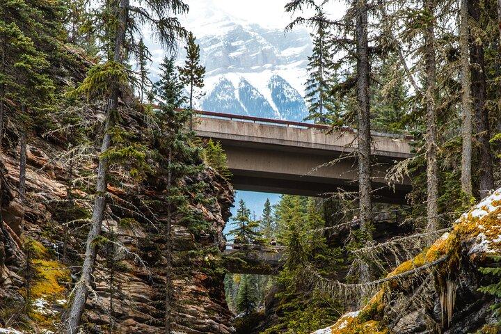 GPS-Guided Driving Tour: Icefields Parkway between Lake Louise & Jasper, Alberta, Jasper, CANADA