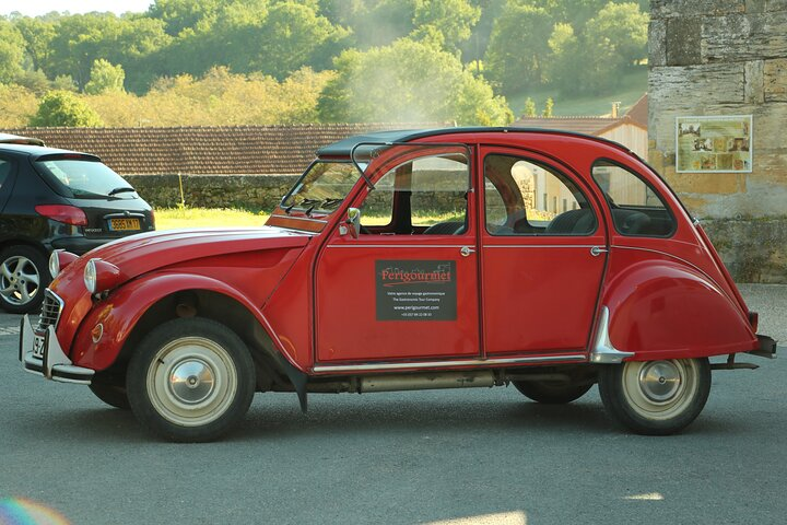 Gastronomic Tour - Daily - with Vintage French 2CV (1 to 12 persons), Bergerac, FRANCIA
