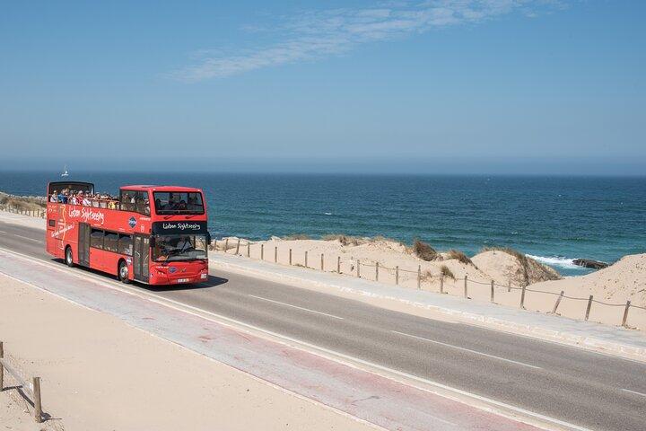 Recorrido en autobús con paradas libres por Lisboa con línea Cascais opcional, Lisboa, PORTUGAL