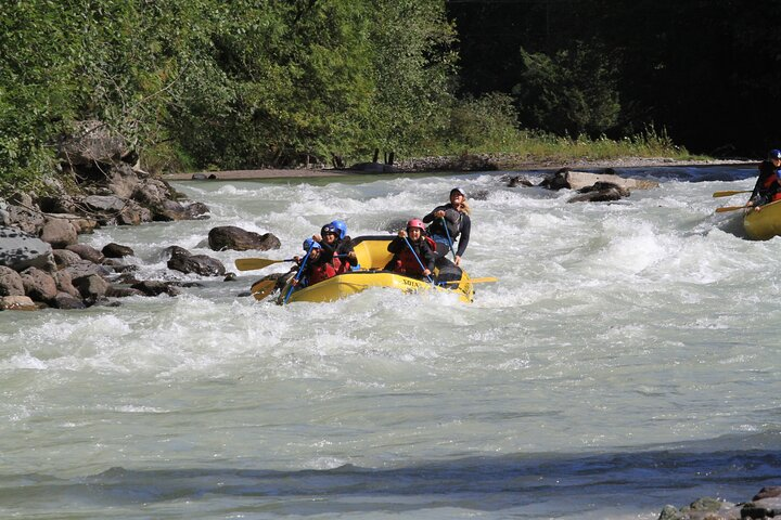 Private Cheakamus River Rafting Experience, Squamish, CANADÁ