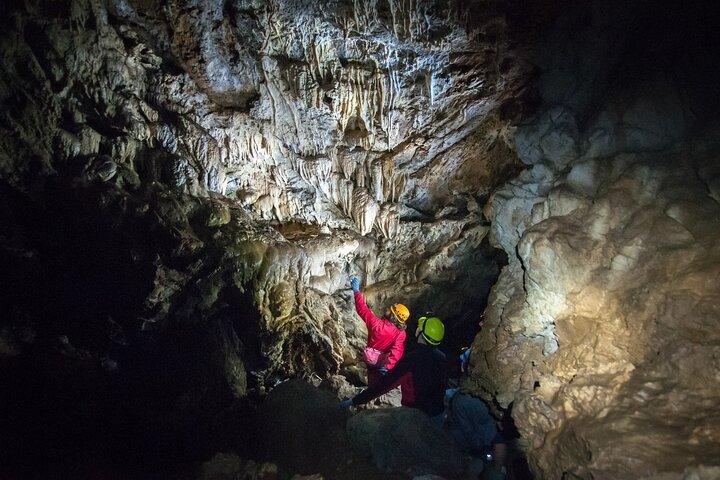 Riverbend Cave Explorer, Isla de Vancouver, CANADA