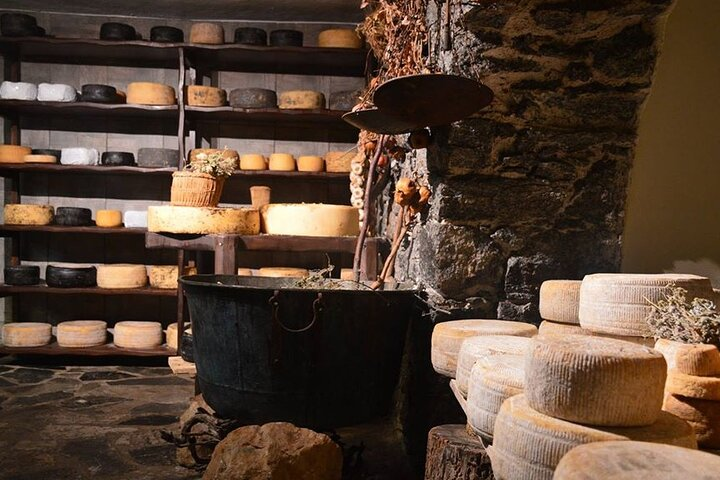 Naxos Old Town Private Food Tour with Dinner and Pickup, ,