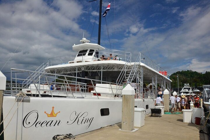 Catamaran Ocean King Manuel Antonio, Quepos, Costa Rica