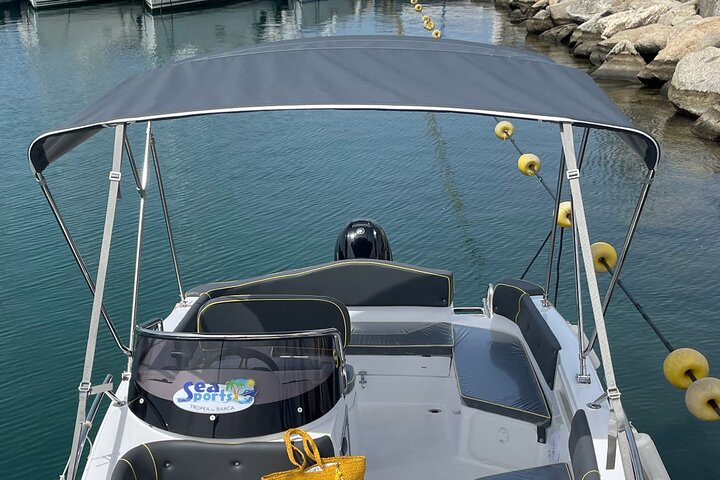 RENT NEW BOAT 2021 for 1/2 day, fantastic experience on the coast in Tropea, Tropea, ITALY