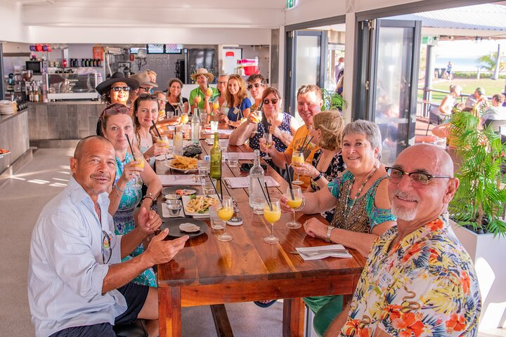 Flavours of Broome - Iconic Broome Food and Drink Venue Small-Group Bus Tour, ,