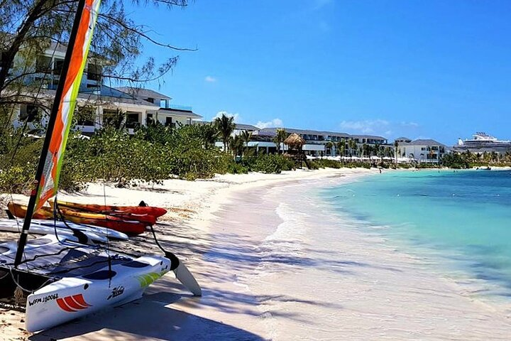 Private Arrival Transfer: Kingston International Airport to Hotel in Trelawny, Falmouth, JAMAICA
