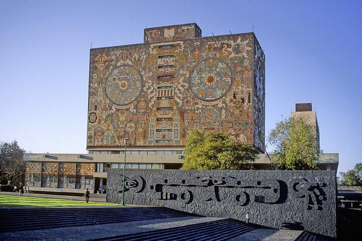 Teotihuacan & Guadalupe Shrine + Xochimilco, Coyoacán & Frida Kahlo Combo Tour, Ciudad de Mexico, MÉXICO