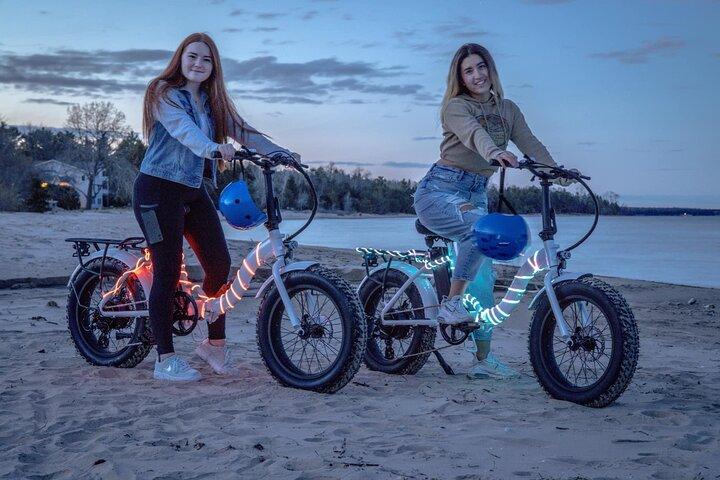 Sunset Glow Roll E-Bike Tour, Green Bay, WI, UNITED STATES
