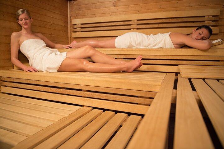 Naked in Bavaria - A Day at the Sauna, Garmisch Partenkirchen, Alemanha