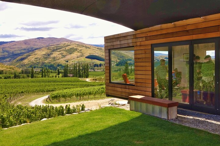 Gourmet Food and Wine Tour From Queenstown with Lunch Included, ,