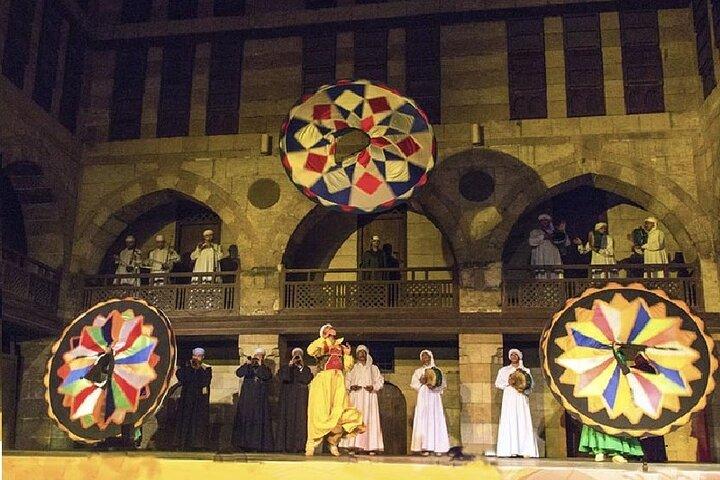 Dinner & Tanoura Show at Wekalt ElGhouri -Cairo by night, El Cairo, EGIPTO