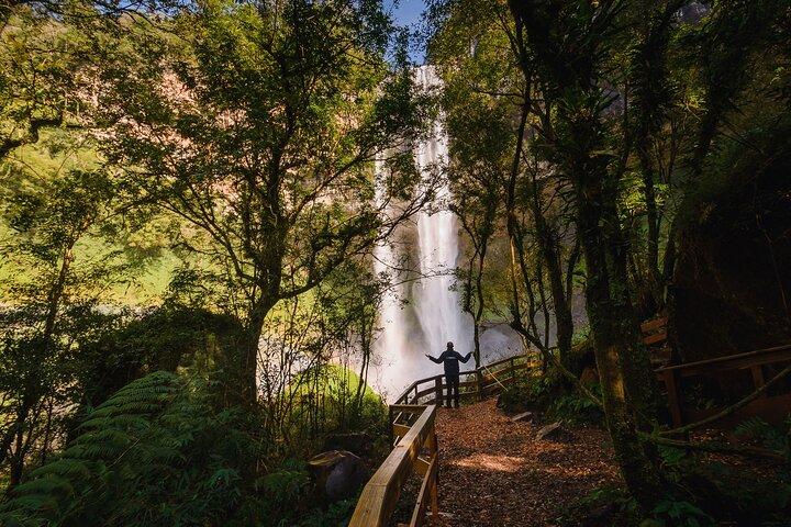 Pé da Cascata Explorer - By Brocker Turismo, Gramado, BRASIL