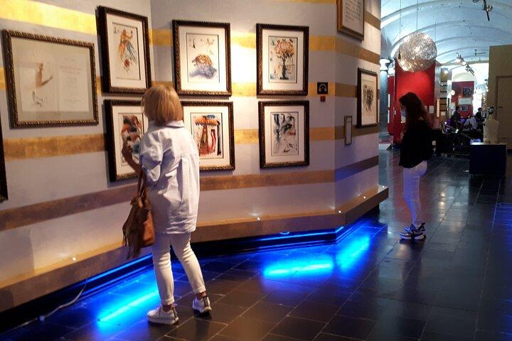 Entrada a la exposición de Salvador Dalí, Belfort, Markt 7, 8000 Brujas, Brujas, BELGICA