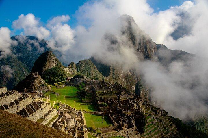Guided full day tour to Machupicchu, Cusco, PERU