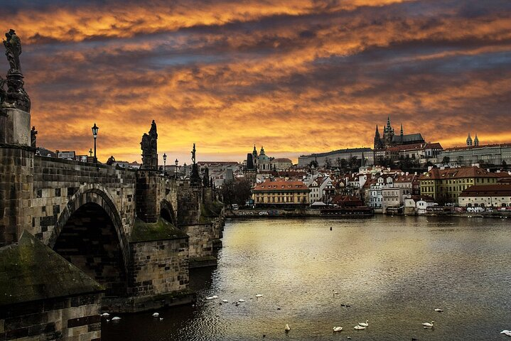 Professional Guides Walking Tours (Select City Worldwide 2 Tours 1-2pers), ,