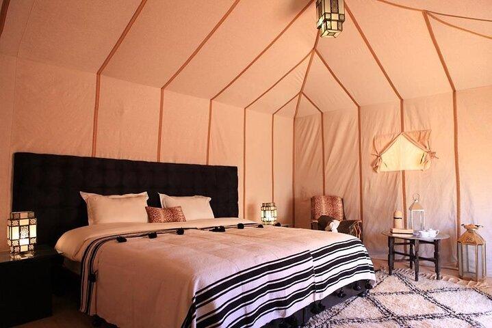 Paseo en camello con 1 noche en Luxury Desert Camp, Fez, MARRUECOS